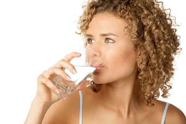 hasta que punto es bueno beber agua